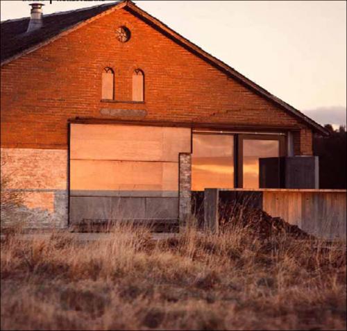 Una piccola casa nel nord design and more interior for Schizzo di piccola casa