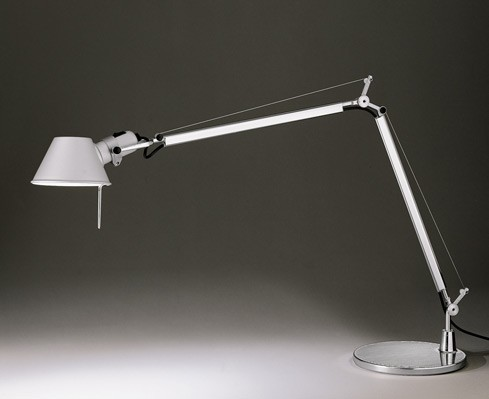 Lampade che hanno fatto la storia del design gli anni 80 for Lampade da tavolo design famose