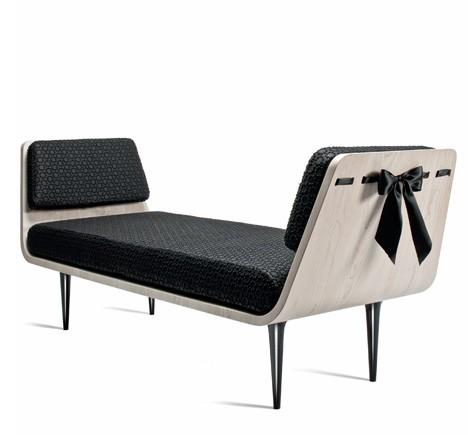 modesty_bench_nika_zupanc.jpg
