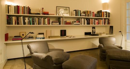 Salotto Con Parquet E Libreria A Muro Interior Design : Una casa borghese a bruxelles design interior